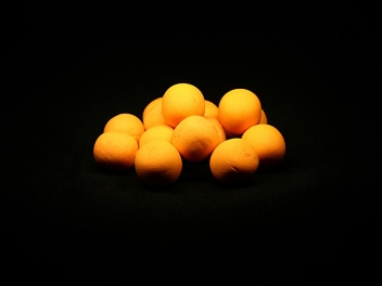 BRUSINKA & ŠÍPEK (orange) Pop-up boilies